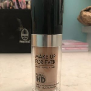 Make Up For Ever ultra HD foundation y355